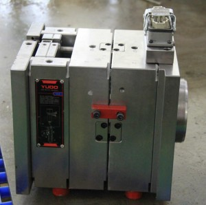 Plastic injection mold check