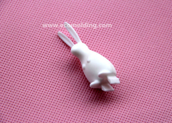 rabbit plastic injection mold