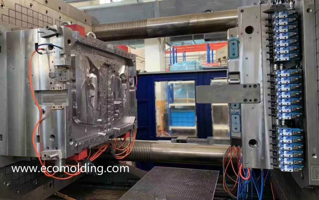 plastic injection molding cost china